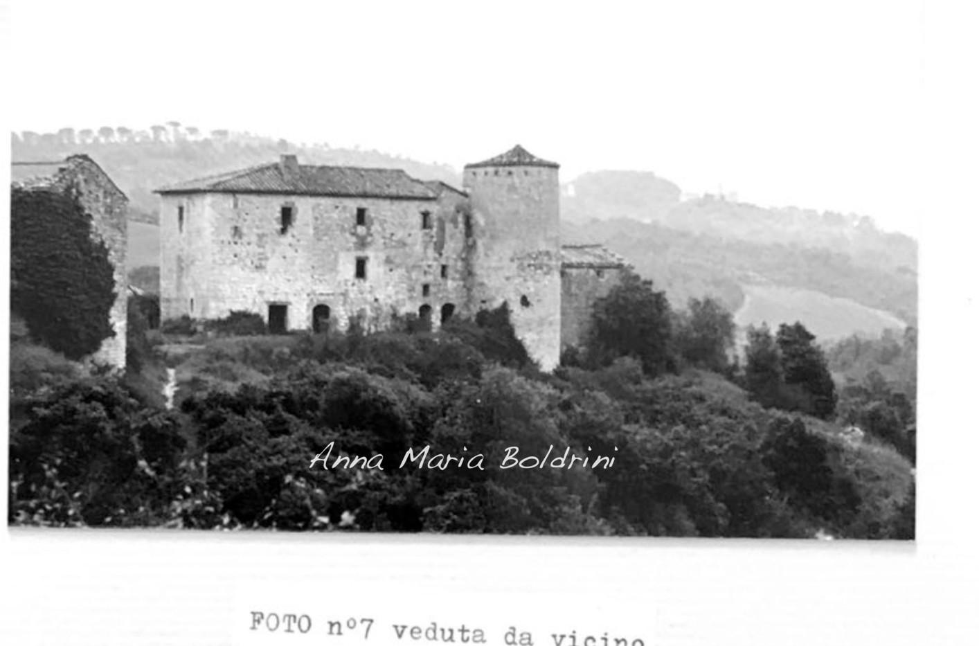 valenzina castello.jpg