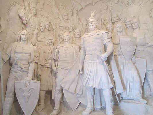 Skanderbeg_and_his_warriors_in_skanderbe