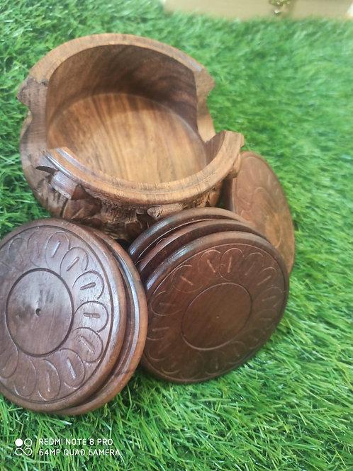 Beautiful Sheesham wood coaster with everlasting finishing