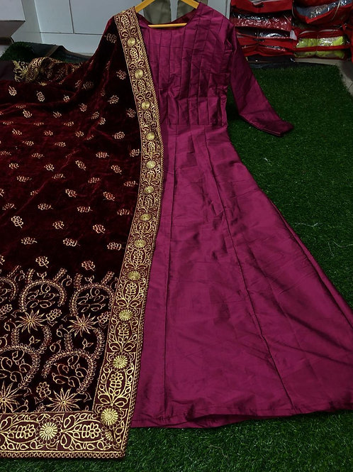 TAPETA SILK WITH FULLY STITCHED