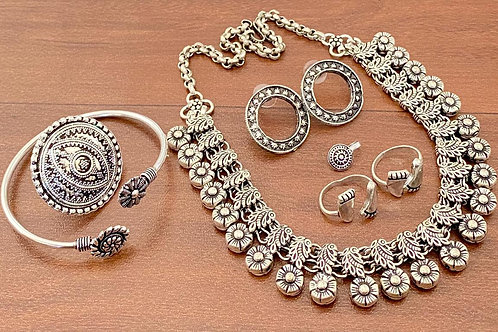 Short Kolhapuri necklace combo set