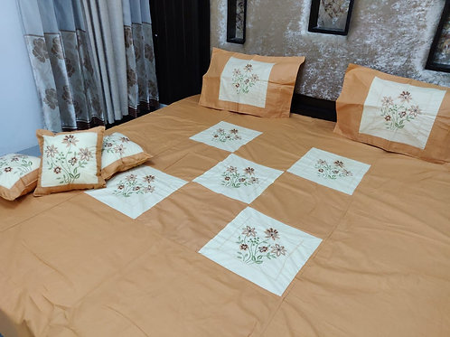 Bedsheet set with 3 Cushions