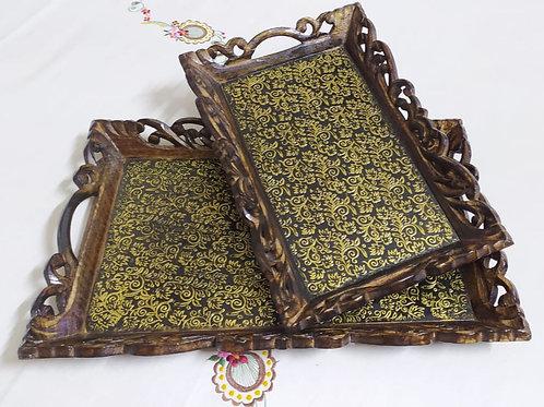 Beautiful tray with everlasting finishing in mango wood