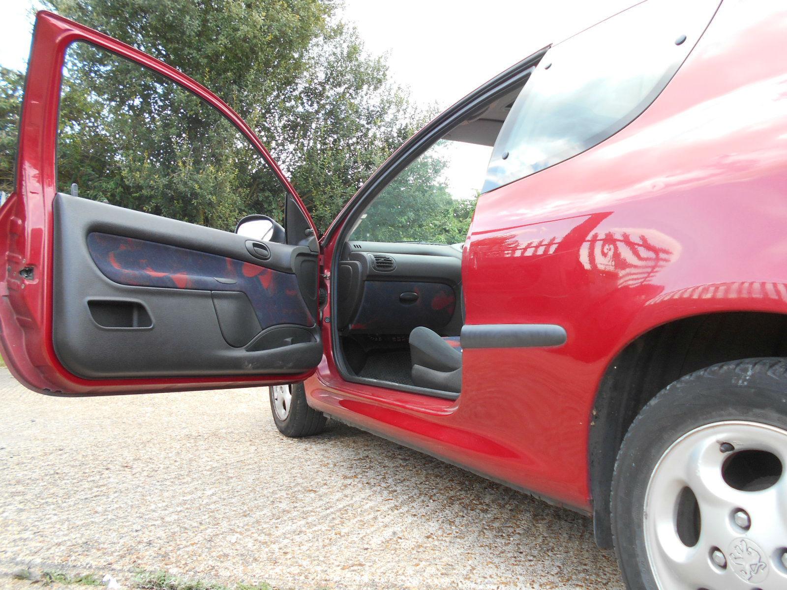 Peugeot 206 Passenger door side.JPG