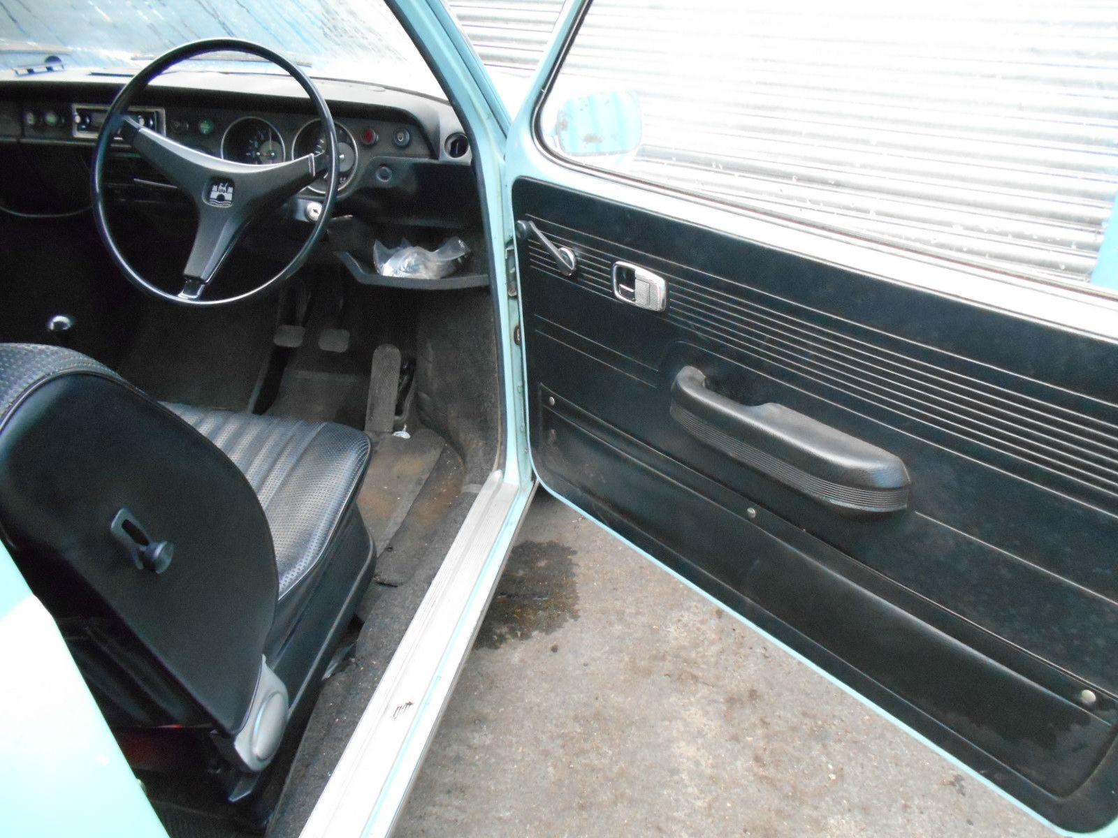 VW Variant interior drivers.JPG
