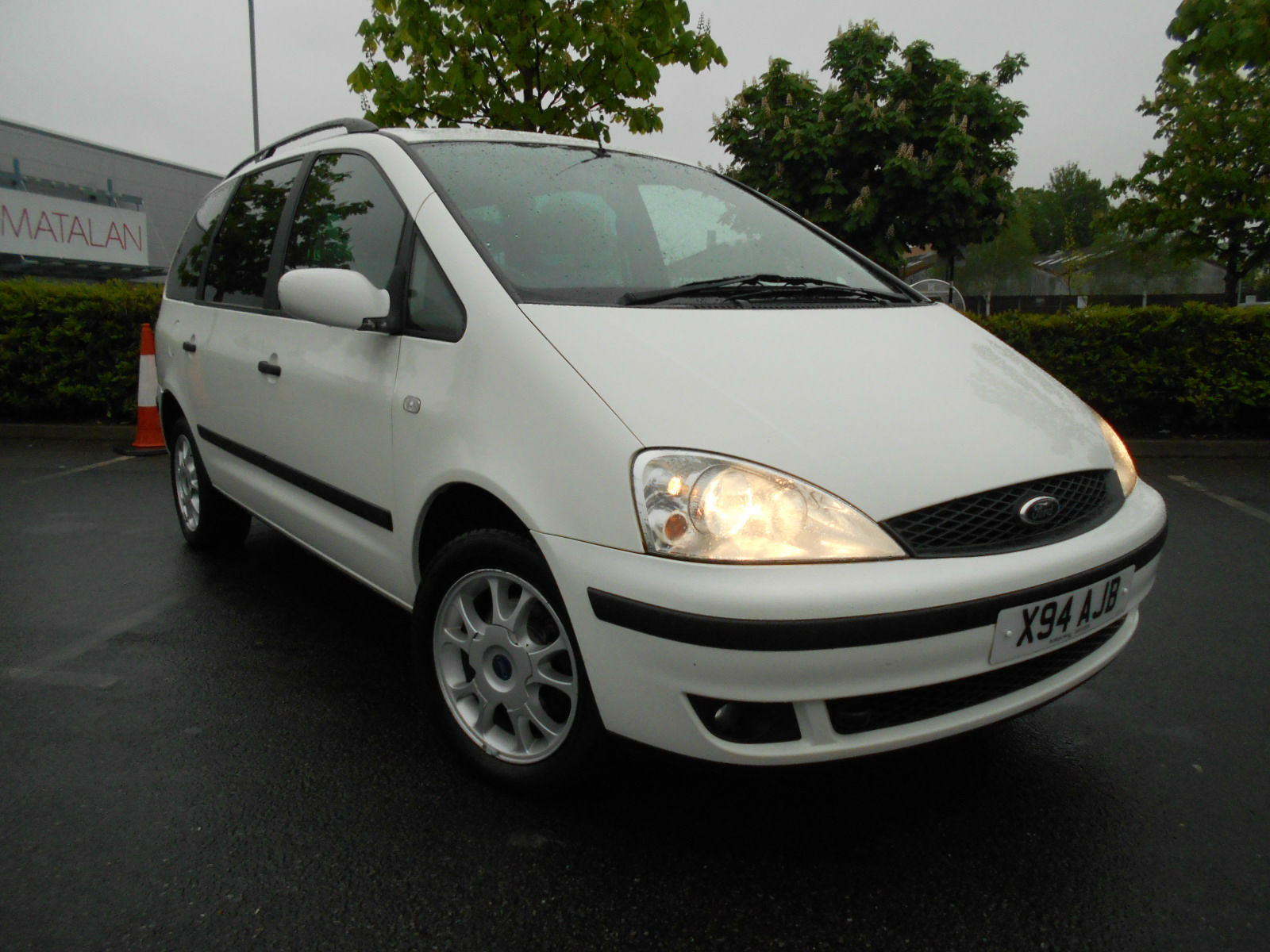 Ford Galaxy Front side.JPG