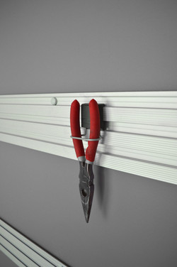 TRACK WALL_Garage_Pliers-Holder_img1