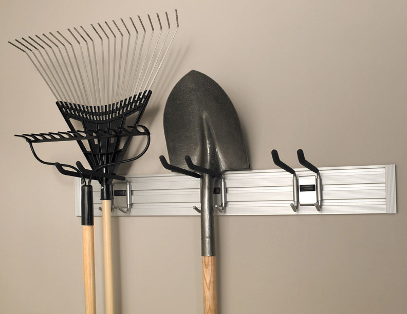 TRACK WALL_Garage_Garden-Tool-Hook_img1