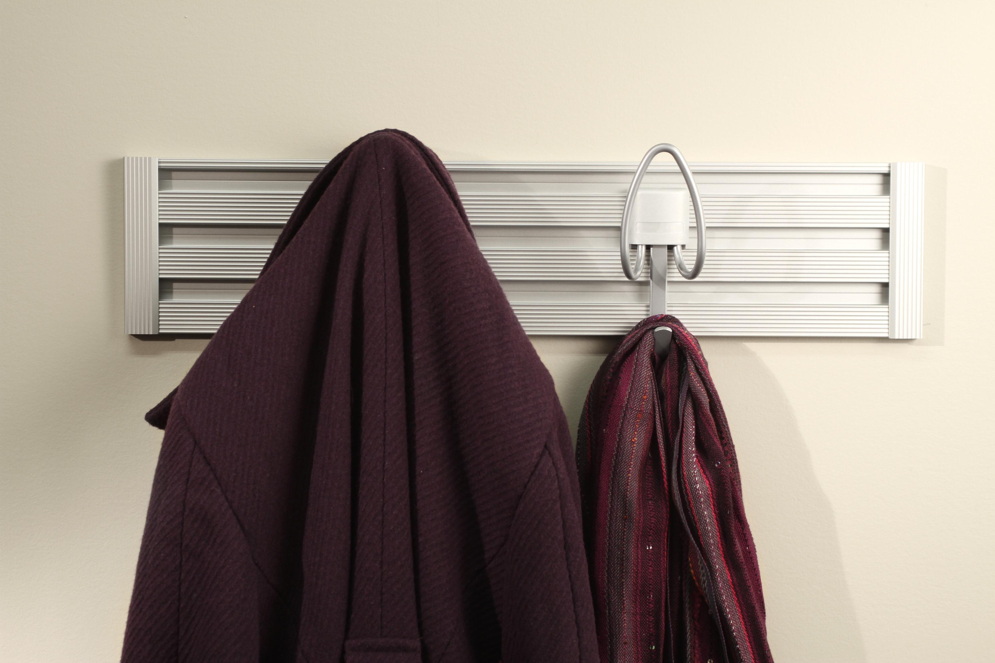TRACK WALL_Closet_Coat-Hook_img3