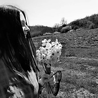 Jelena crno-belić.png