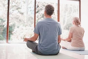 Paar mediteren