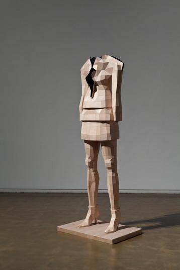 이름없는 여자, 94x63x240cm, 배니어합판, 2014
