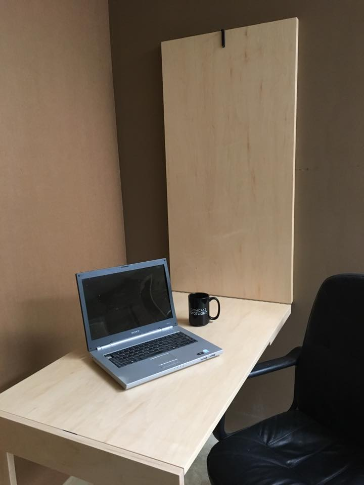 Murphy desk Open