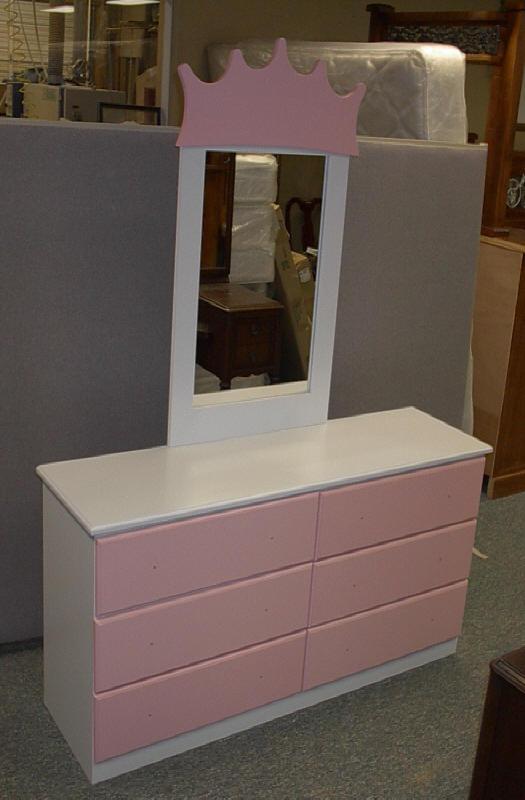 Castle Dresser.JPG