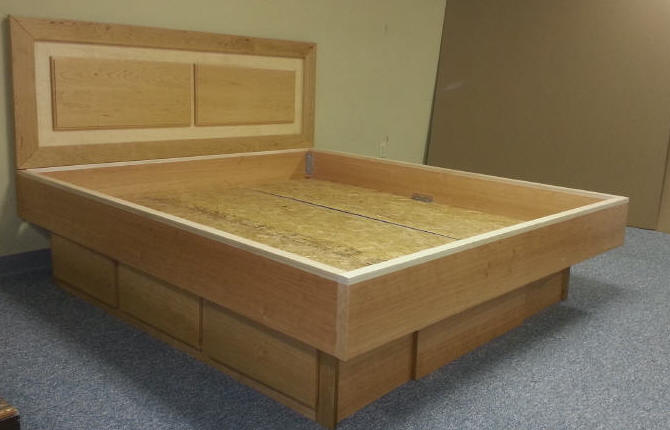 Cherry and Maple Panel Waterbed