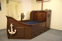 Two tone boat bed built in oak wood.