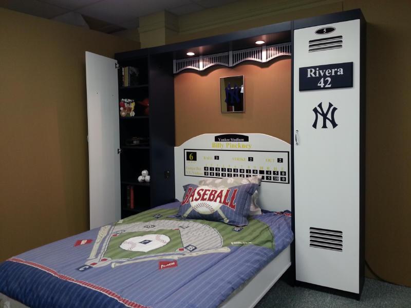 Yankee Locker Bed shown open.