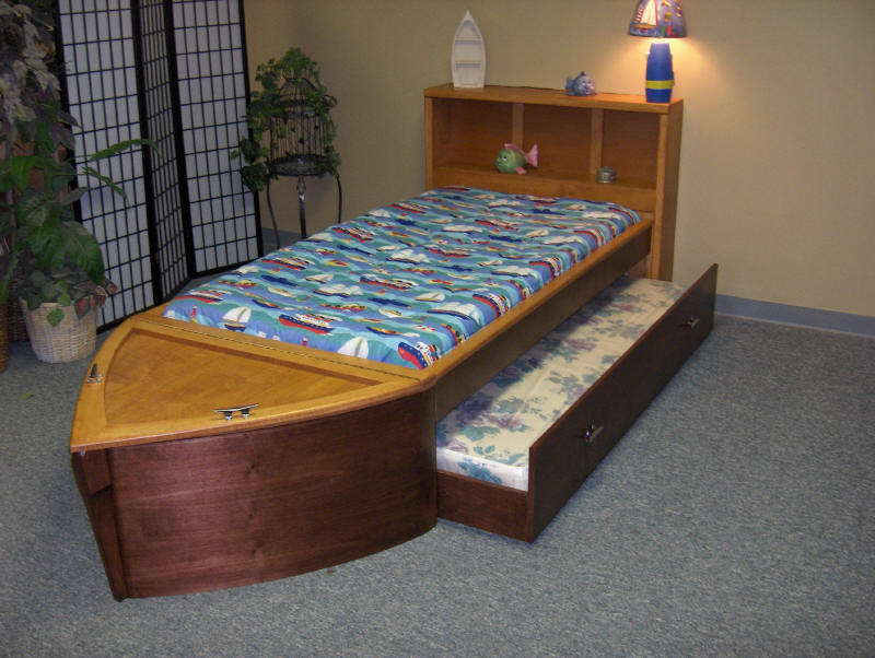 Two Tone Maple Boat Bed