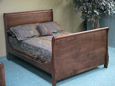 Sleigh bed with flat panels