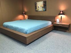 Floating Bed.j