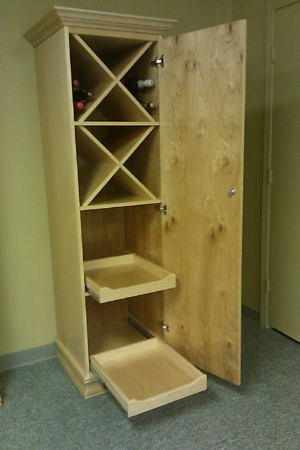Wine cabinet with pullouts