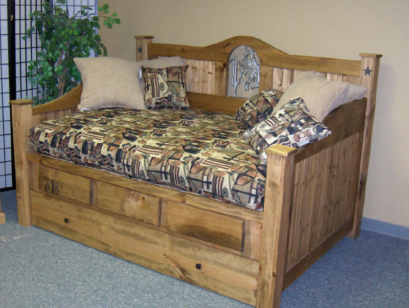 Bronco Rustic Daybed
