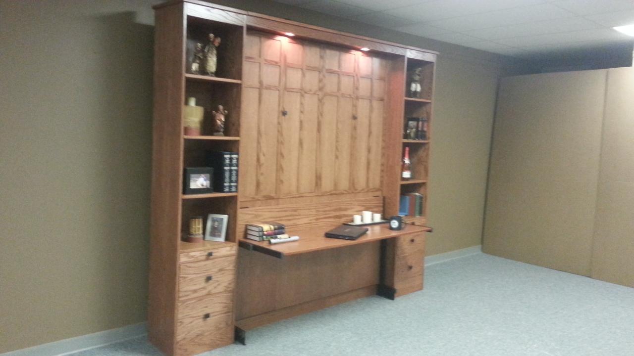 Frank Lloyd Wright Stay Level Desk