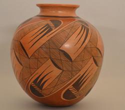 Hopi Jar circa1980 R. Shane Nampeyo 10.25_x8