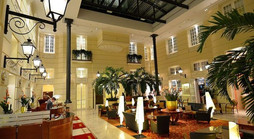 Polonia Palace Hotel Warszawa lobby.jpg