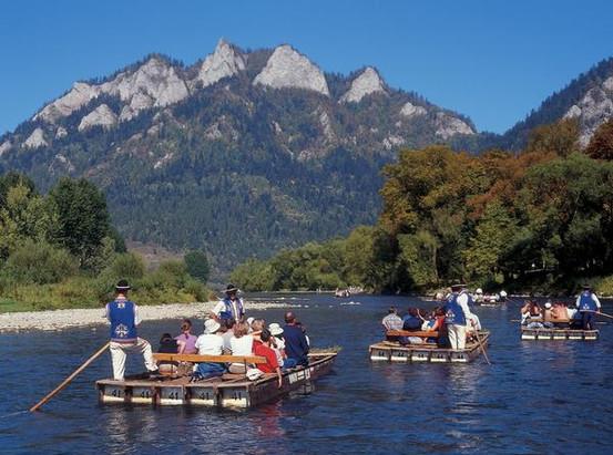 Dunajec rafting.jpg