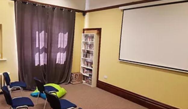 Cinema Room / Stafell Sinema