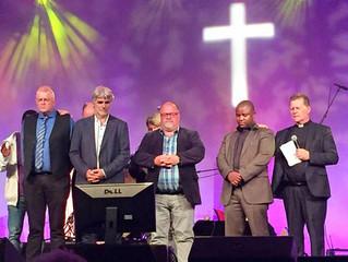 Jan Helge Hindenes innviet som pastor på BLINK-festivalen
