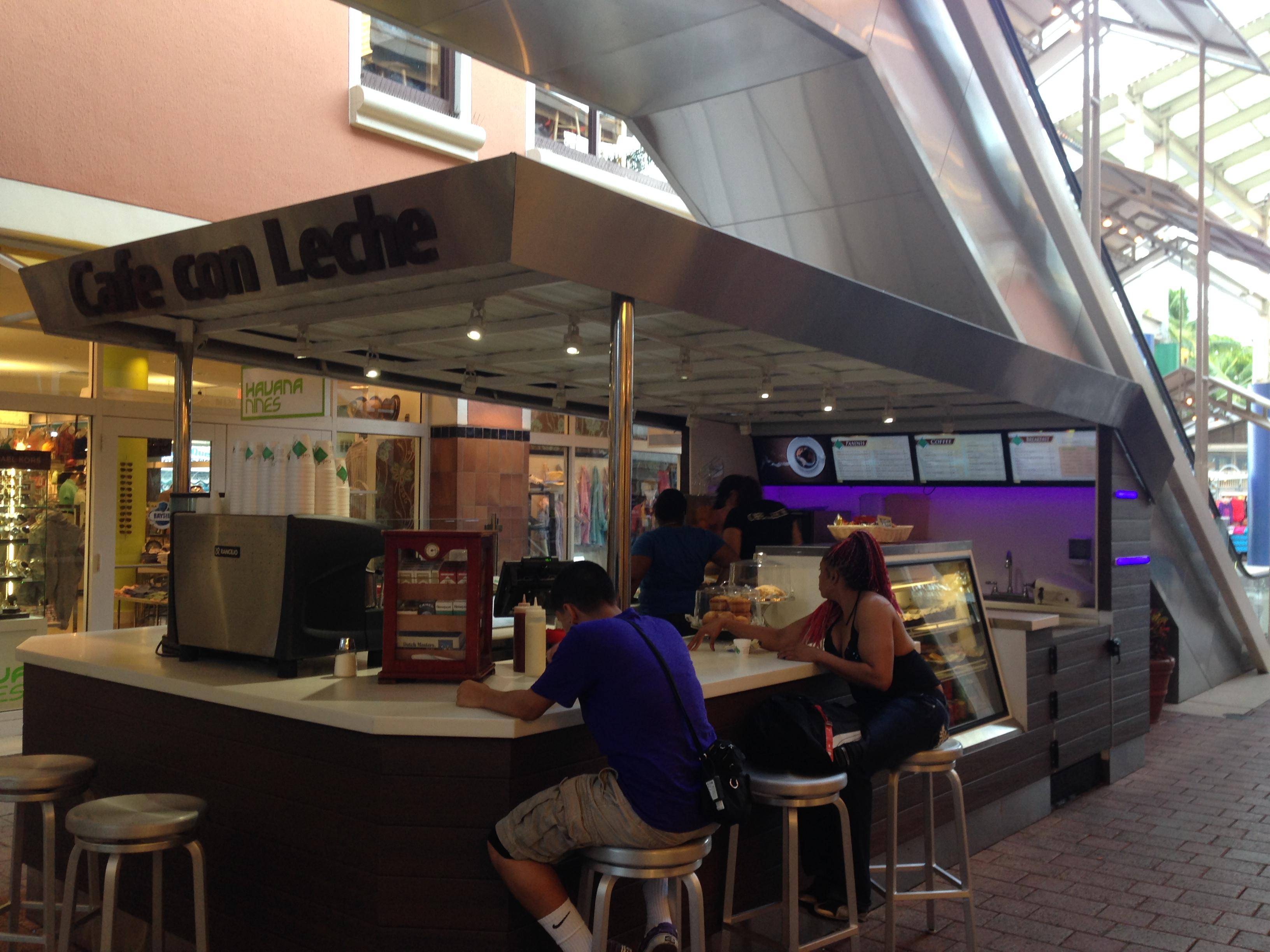Cafe con Leche, Bayside