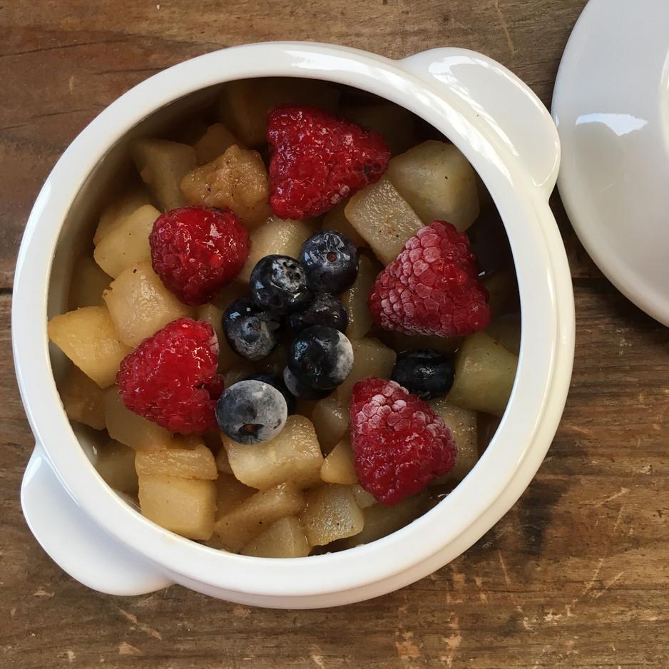Compota de pera y frutos del bosque