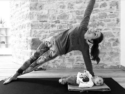 yoga avec bébé.jpg