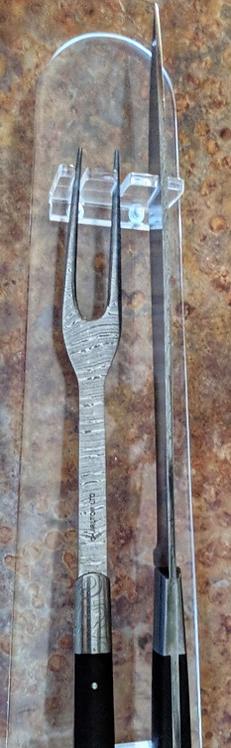 V39 Carving Set