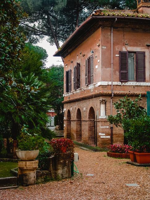 Roma Gallery-1.jpg