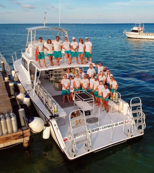 Compass Point Crew on boat.jpeg