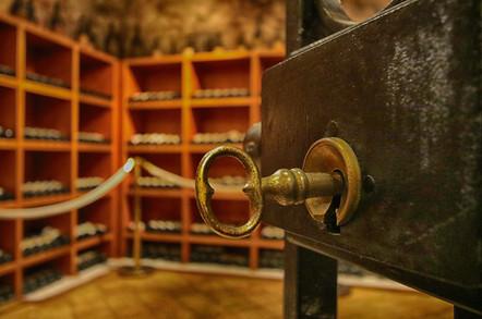 HP-Wine-Cellar-0166-2.jpg