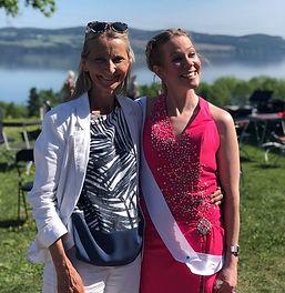 skuespiller Gro Ann Uthaug og sanger / danser Heidi Hariet under Teaterdagene på Toten 2018