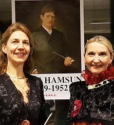 """""""Kransen og Kronen"""" forestilling med tekster av Bjørnson, Hamsun, Undset. her Marieke Bettman og Gro Ann Uthaug"""