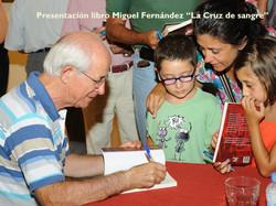pres_libro22081211.jpg