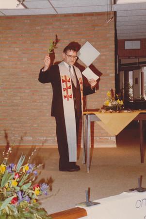 1983-Pastoor Janssen opening februari