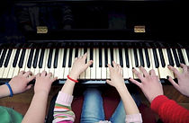 Group-Piano-Lessons-800x521.jpg