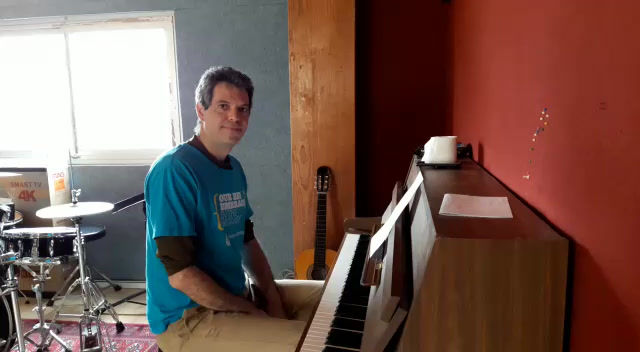 Carmiel preschool's clean up song helps kids and parents sheltering at home