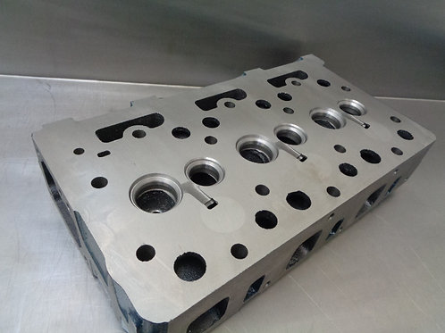 Cylinder Head D1402 Engine