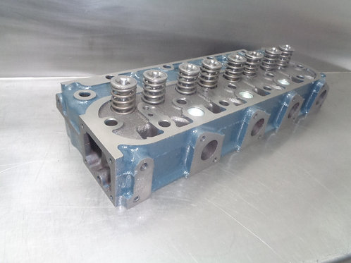 Cylinder head to suit a V1305