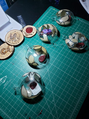 Making the Xmas bulbs.jpg