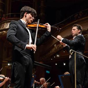 Finale du Concours Menuhin au Victoria Hall à Genève avec Julian Rachlin et le Royal Philharmonic Orchestra de Londres, 2018