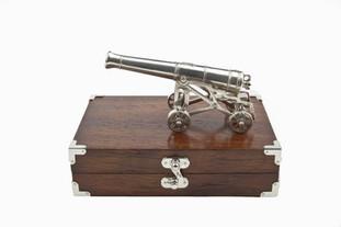 Packshot Blomefield Cannon.jpg